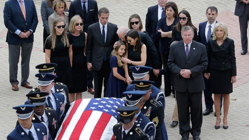 More than a thousand people attend memorial service for Beau Biden