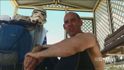 Mr Loxley has journeyed around Australia to raise money for charity. (9NEWS)