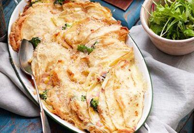 Creamy broccoli and ham crepes
