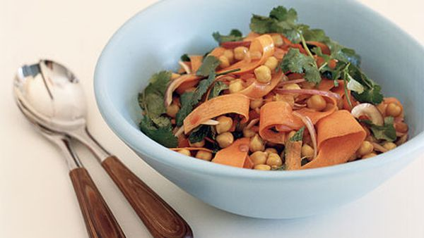 Organic chickpea and olive oil salad with Chinese flavours