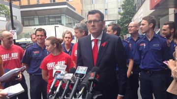 Premier-elect Daniel Andrews announces an end to the pay dispute and calls for the board of Ambulance Victoria to resign. (Andrew Lund, 9NEWS)