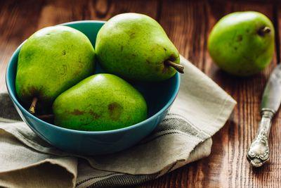 An apple or pear: 4-6g fibre