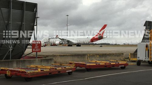 The Qantas flight from Perth to Sydney was diverted to Melbourne after experiencing mid-air problems with its air conditioning system. (9NEWS)