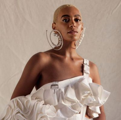 Solange Knowles, younger, dare we say cooler, sister of Beyonce, is now white blonde.