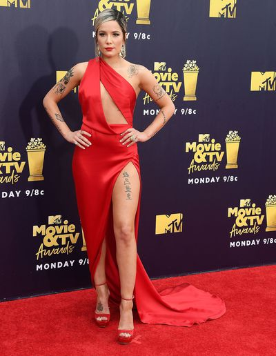 Singer Halsey wearing custom Julian MacDonald at the 2018 Movie and TV Awards