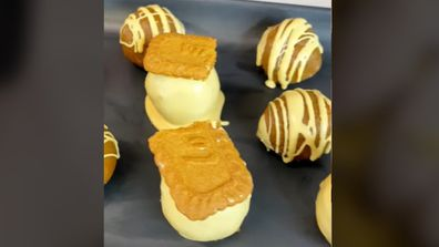 @Cakemail's caramel mud cake, Biscoff and Caramilk cake-pop
