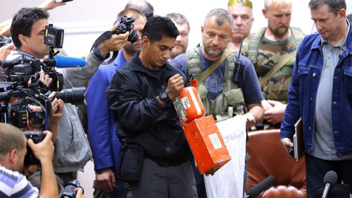 MH17 black box handed over to Malaysian team