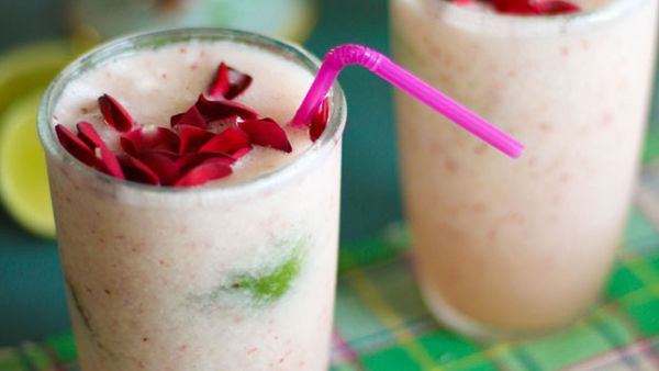 White nectarine,lime & rosewater frappe