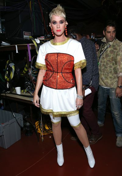 <p><strong>Look2</strong></p> <p>Katy Perry performed <em>Swish Swish</em> in this basketball-inspired ensemble customised by Todd Thomas at the MTV VMAs in LA.</p> <p>A smile slamdunk rather than a style score.</p>