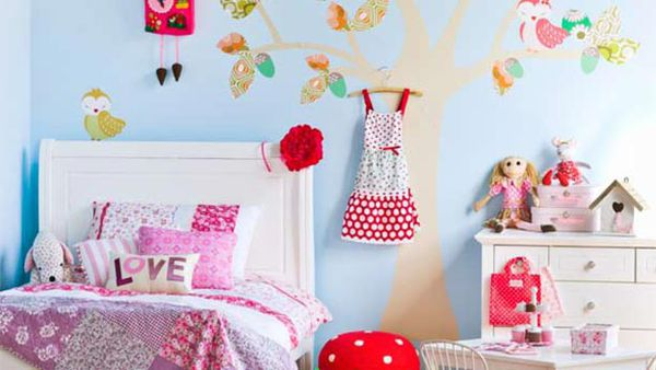 Girl's room: Pretty and pink