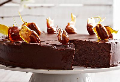 Chocolate nut cake
