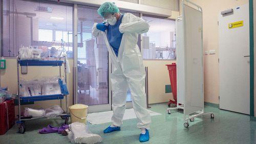 European nations smash COVID-19 records as WHO warns daily deaths could surpass April peak. Prague, Czech Republic