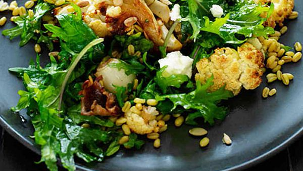 Cauliflower, freekah and goat's cheese salad