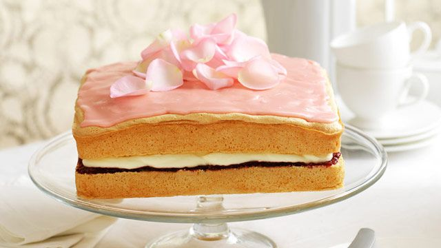 Raspberry cream sponge