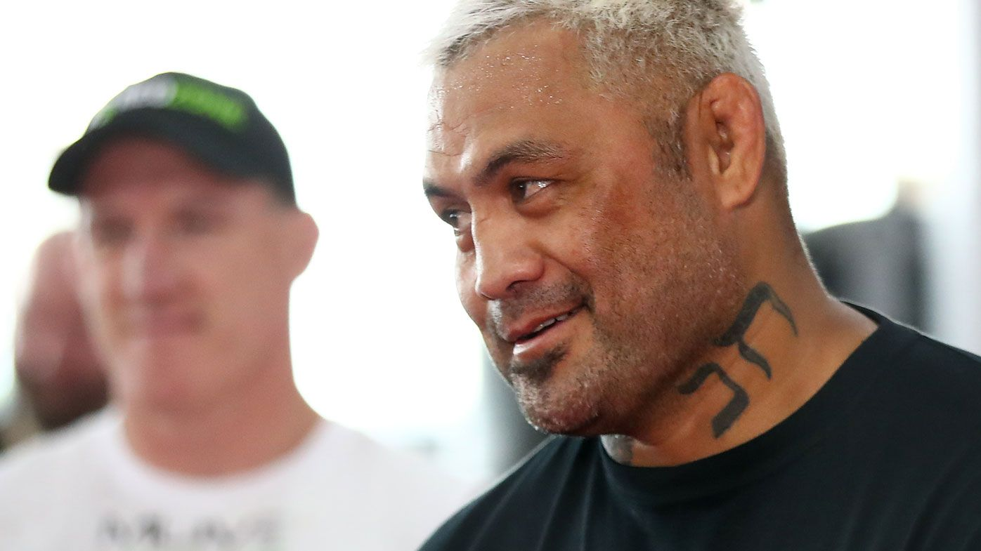 Mark Hunt says Paul Gallen still has to earn his respect as a legitimate fighter. (Getty)