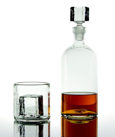 <strong>Whiskey tumbler</strong>
