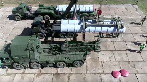 Russian soldiers deploy air defence missiles during the Vostok 2018 exercises.