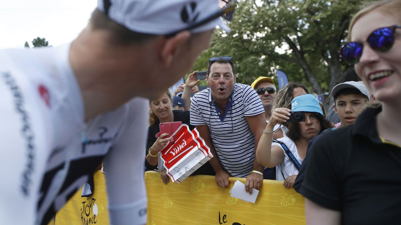 Tour de France crowd makes life hard for Chris Froome after doping clearance