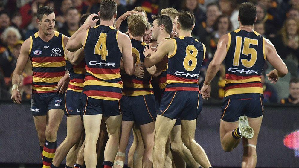 Crows thump Saints to reclaim AFL top spot