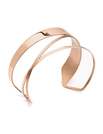 "<a href=""http://www.pastiche.com.au/CB911RG_Cast_a_Light_Bangle_Rose_Gold"" target=""_blank"" draggable=""false"">Pastiche Cast a Light Rose Gold Stainless Steel Bangle, $100</a>"