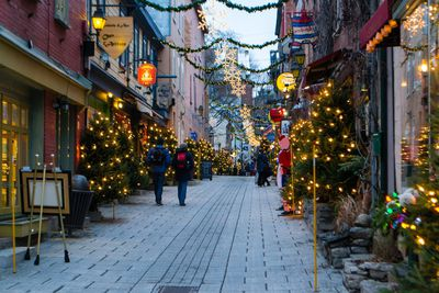 Christmas City.Top 15 Cheapest Cities To Celebrate A White Christmas