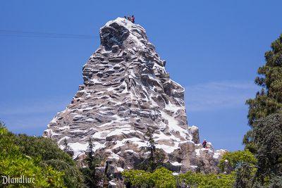 <strong>Indoor basketball court, Matterhorn Mountain, Disneyland</strong>