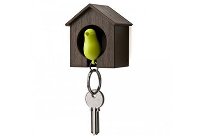 Sparrow birdhouse keyring