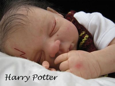 Cute or creepy? Artist Tracy Ann Lister creates lifelike versions of the Harry Potter cast as infants.<br/><br/>Pics via ebay.co.uk