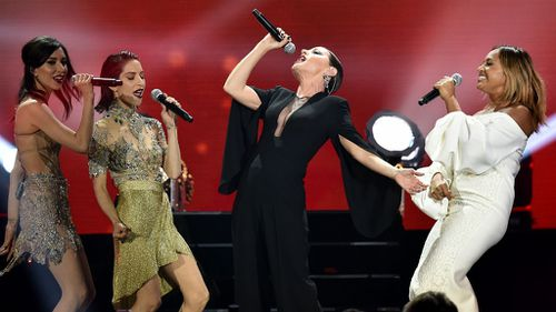 Tina Arena performs with Jessica Mauboy and The Veronicas. (AAP)