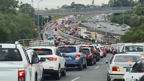 Major traffic delays north of Brisbane after serious highway crash