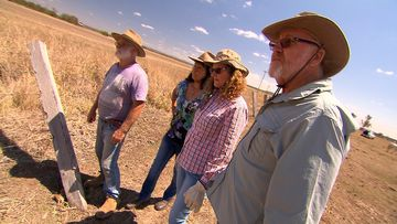 The grey nomads helping drought-stricken farmers at breaking point