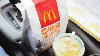 Thousands sign McDonald's petition to ban paper straws