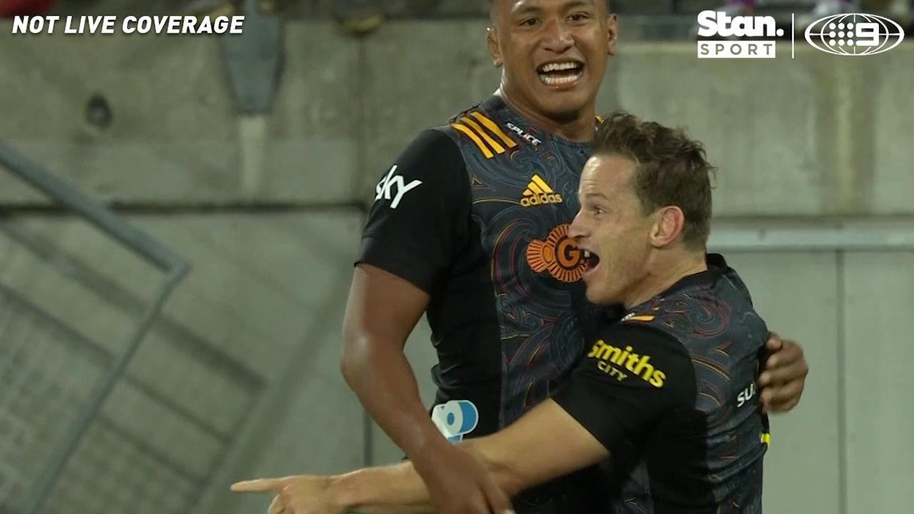 Super Rugby Aotearoa: Chiefs stun Hurricanes with wonderful comeback in Wellington