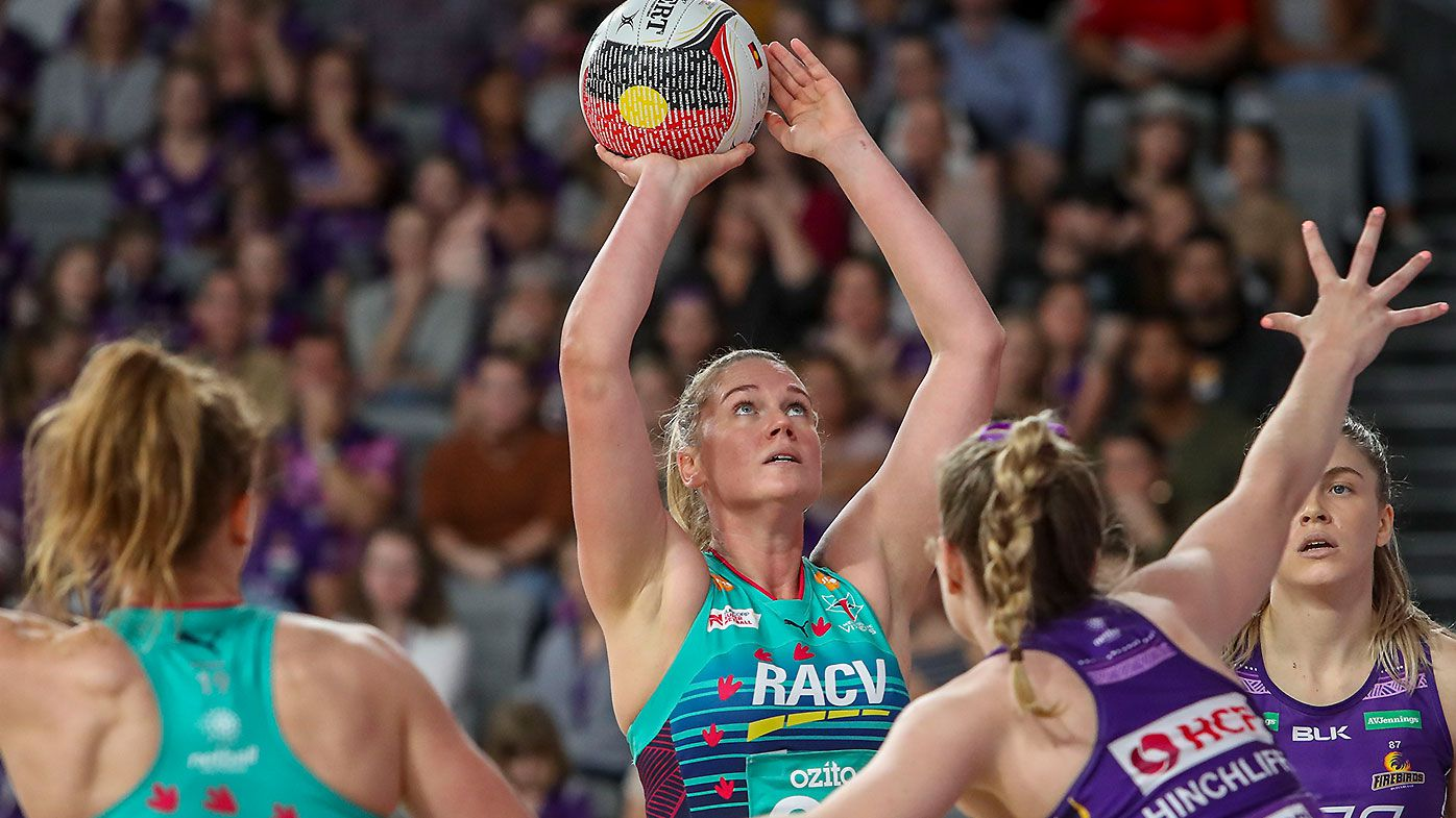 Caitlin Thwaites stars as Melbourne Vixens continue miserable Firebirds season