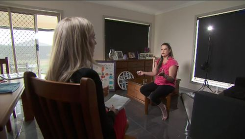 Just as Janelle had clearly doted on her daughter for her 11 years, she doted on Zoe's resting place. (9NEWS)