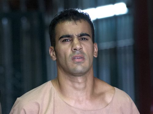 Refugee footballer Hakeem al-Araibi has been freed from prison and is on his way back to Australia from Thailand.