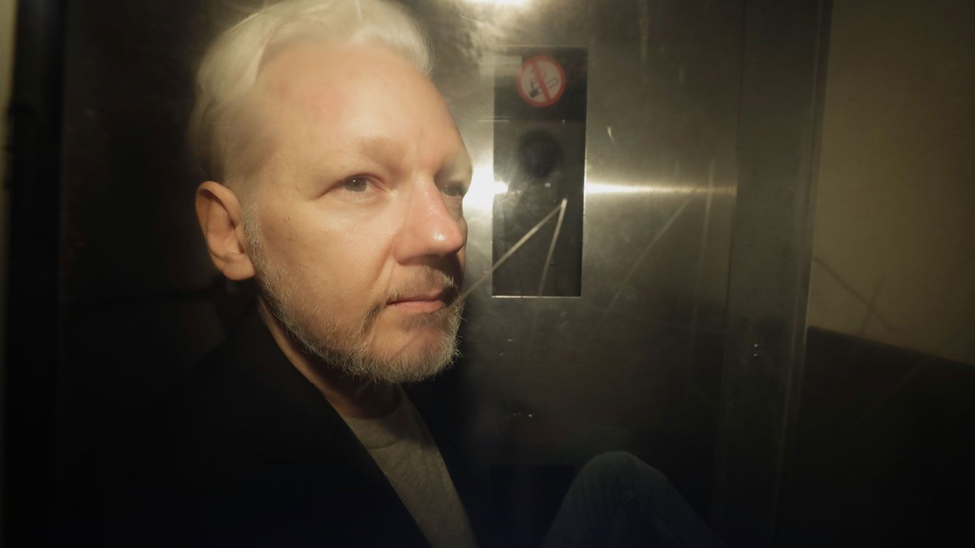 Assange 'only given two hours with lawyers' before extradition hearing