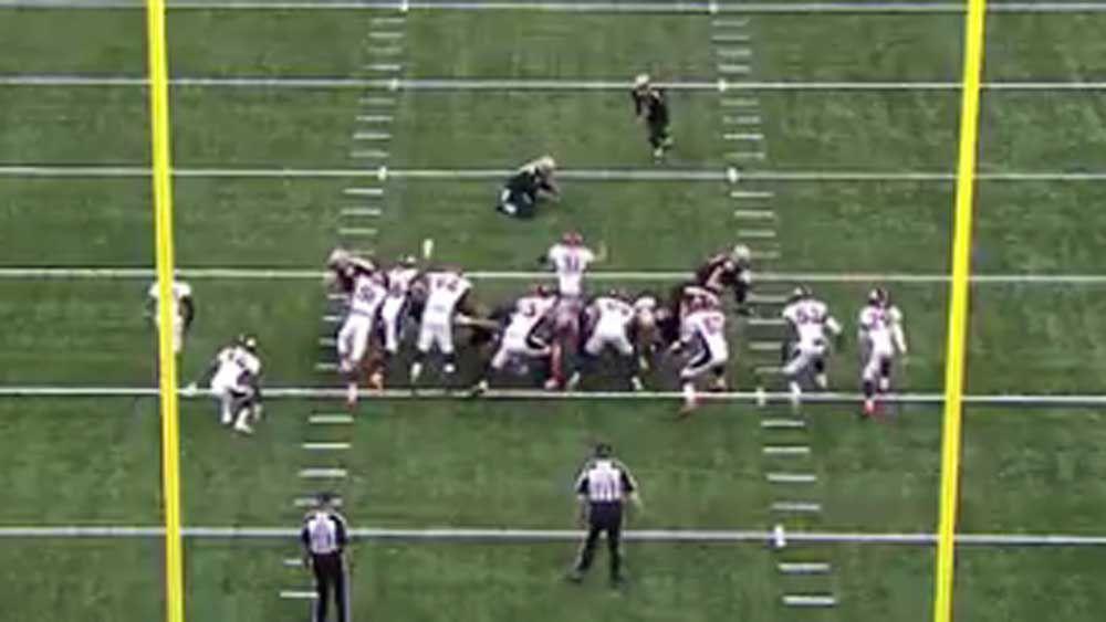 Broncos down Saints in NFL thriller