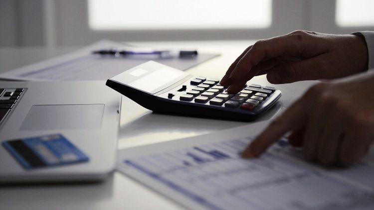 Simpler lending laws risk Australians drowning in debt - Mornings