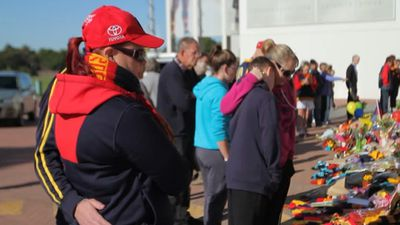 The AFL community has rallied in support following the shock death. (9NEWS)