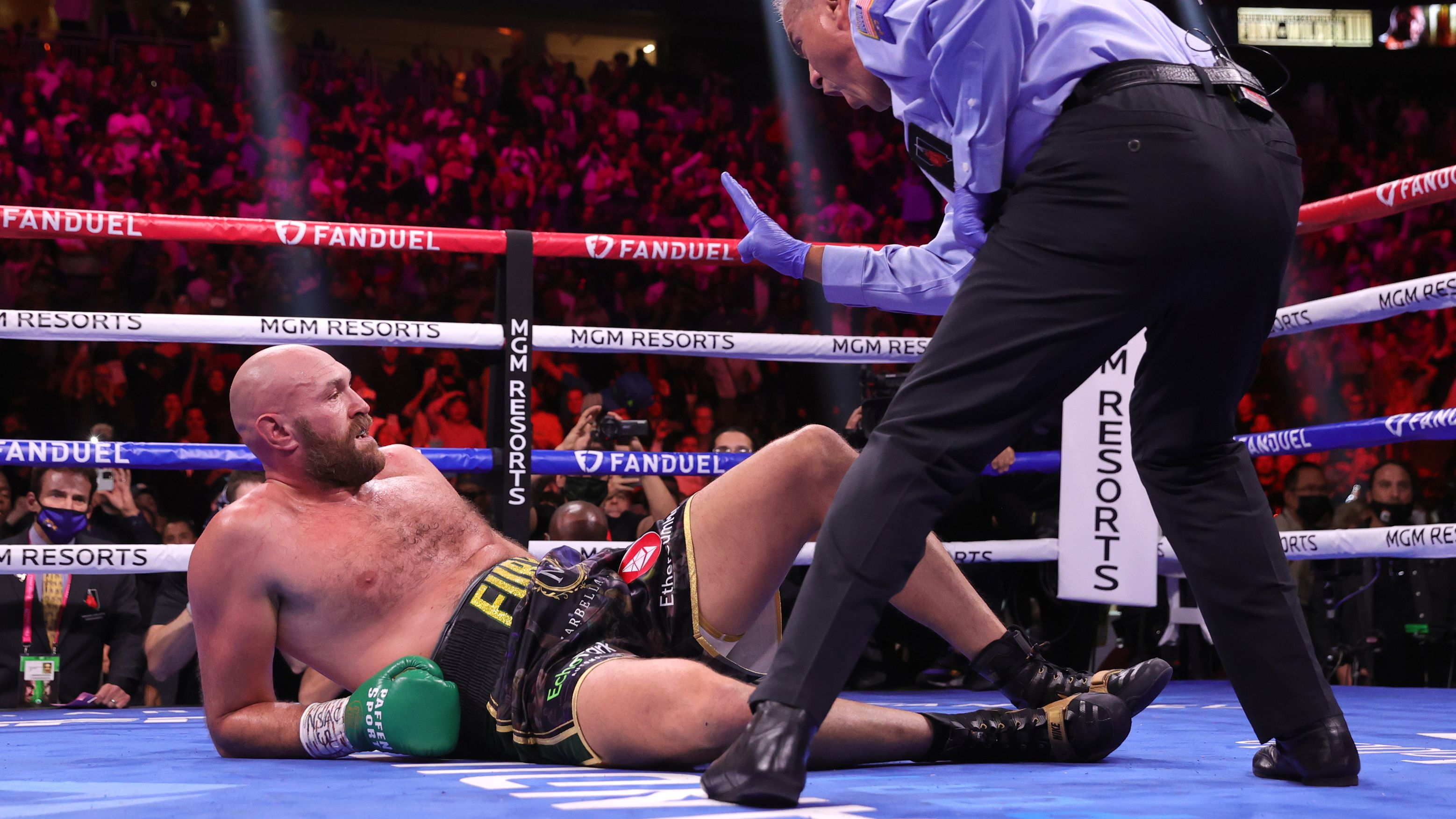 This is the moment some people reckon Tyson Fury should have lost the fight to Deontay Wilder.