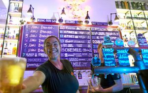 Coronavirus: Pubs reopen in the Northern Territory, alongside gyms, cafes and beauty salons