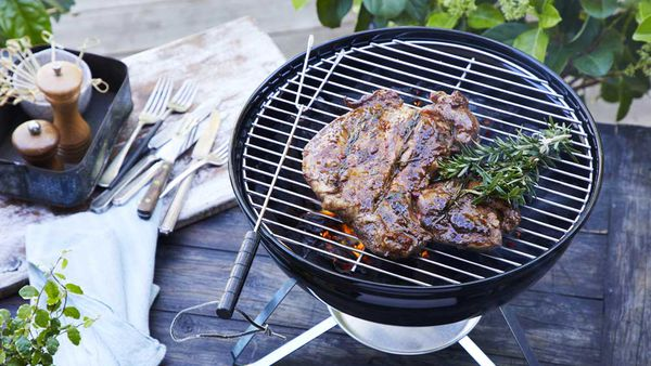 "Recipe: <a href=""http://kitchen.nine.com.au/2018/01/25/10/46/sweet-chilli-bbq-lamb-chops"" target=""_top"" draggable=""false"">Sweet chilli BBQ lamb</a>"