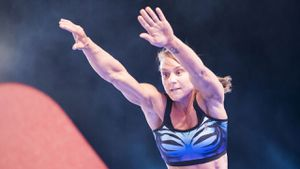 Celeste Dixon competing in Australian Ninja Warrior 2019