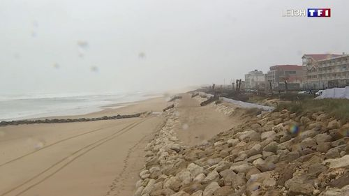Police close multiple beaches due to cocaine washing ashore since October.