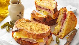 Ham, cranberry and camembert french toast