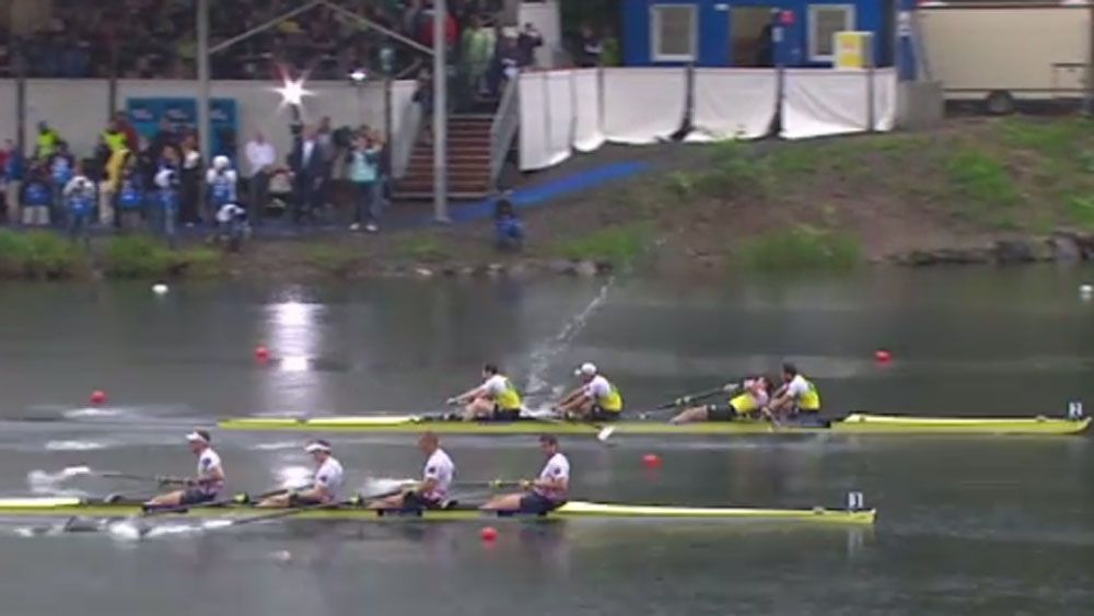 Aussie rowers slip up after 'catching a crab'