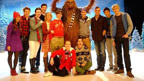 Glee pays tribute to Michael Jackson, Star Wars