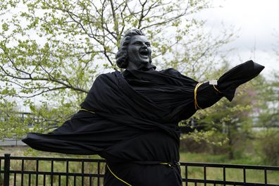 Kate Smith statue covered following racist controversy