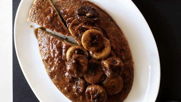Hazelnut, fig and coffee syrup cake